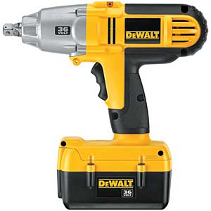 DeWalt 36 V IMPACT WRENCH KIT